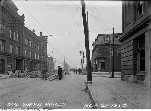 our windows onto queen circa 1910